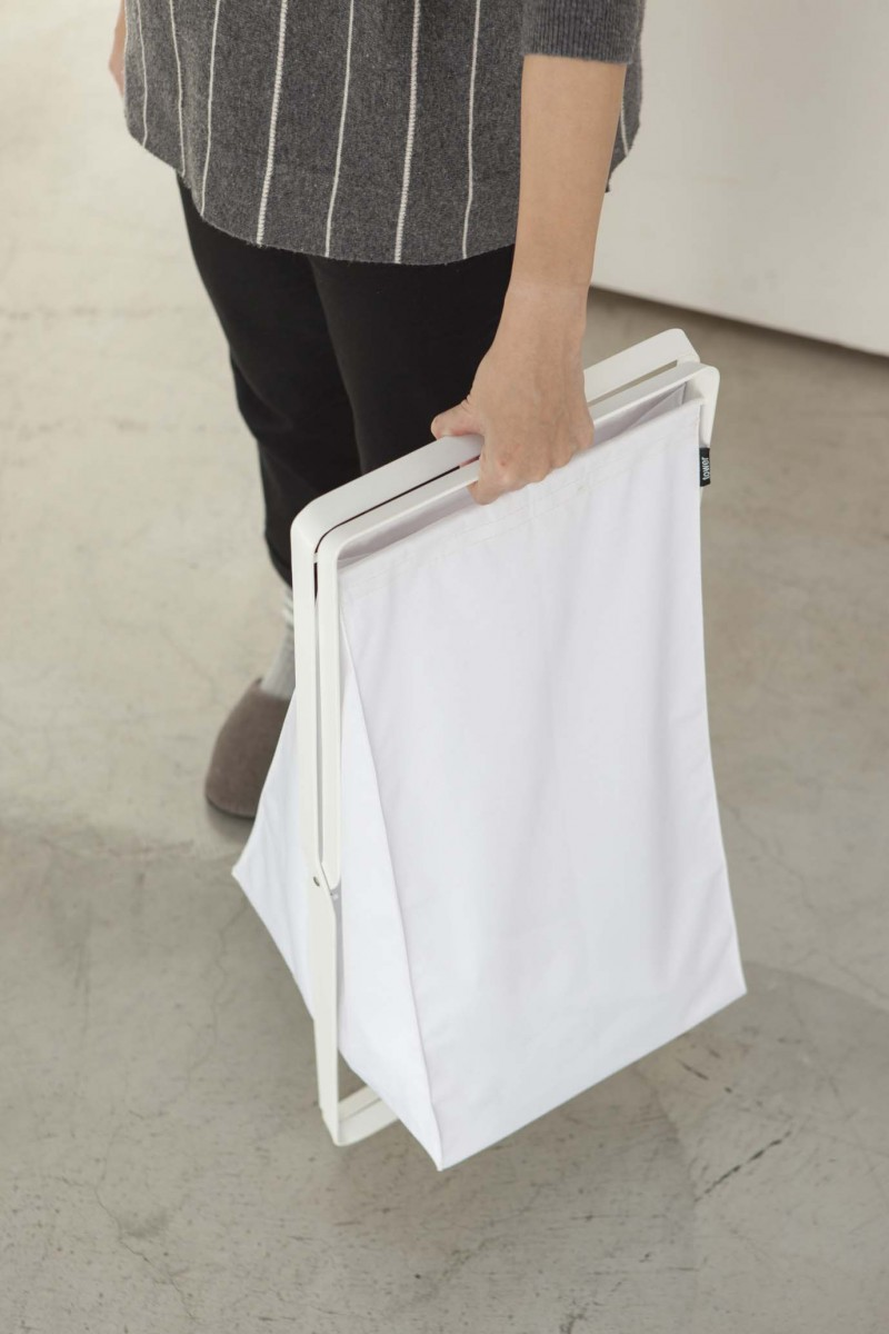 8addf6d15 Skládací koš na prádlo YAMAZAKI Tower Laundry Basket, bílý